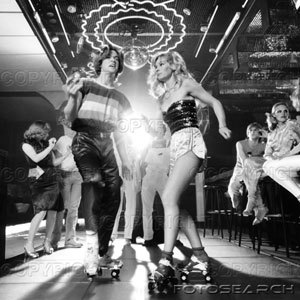 1970-1970s-couple-disco-dancing-on-.jpg